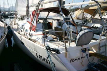 Rental Sailboat Beneteau Oceanis 423 Portisco