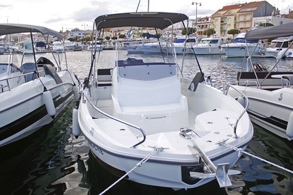Rental Motorboat BENETEAU Flyer 6.6 Spacedeck Cambrils