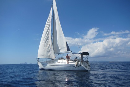 Rental Sailboat BAVARIA 32 Cruiser Ibiza