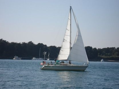 Rental Sailboat Beneteau First 32 Vannes