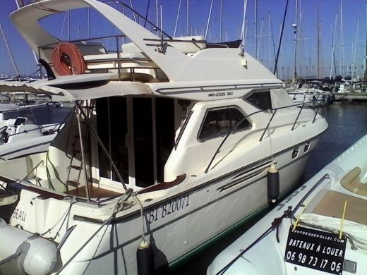 Motorboat PRINCESS 360 for hire