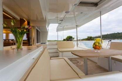 Rental Catamaran Lagoon 450 F Bright Star Trogir