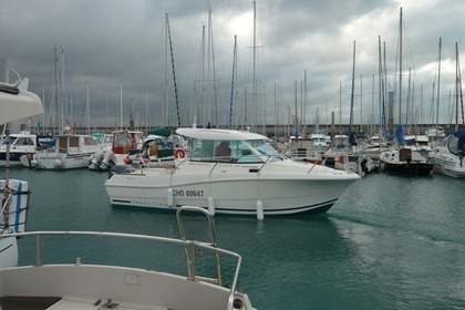 Hire Motorboat JEANNEAU MERRY FISHER 725 HB Granville