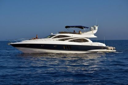 Charter Motorboat Sunseeker Manhattan 64 Birgu