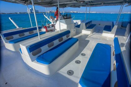 Hire Catamaran Fountaine Pajot Tahiti 75 Cancún