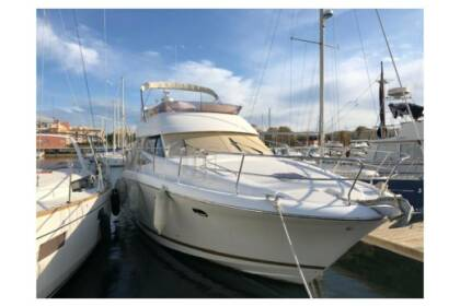 Rental Motorboat Jeanneau Prestige 42 Fly St-Laurent-du-Var