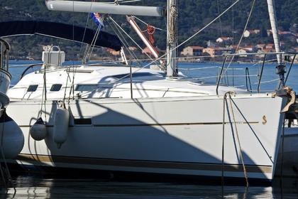 Rental Sailboat Beneteau Oceanis 323 Clipper Biograd na Moru