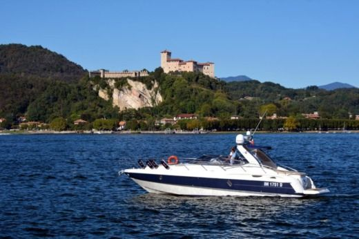 Charter motorboat in Arona peer-to-peer