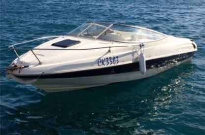 Rental Motorboat Bayliner Capri 90 Selce