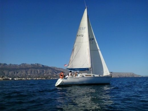 BENETEAU First 28.5 a Altea, Alicante da noleggiare