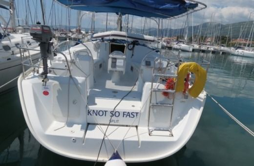 Sailboat Beneteau Cyclades 43.4