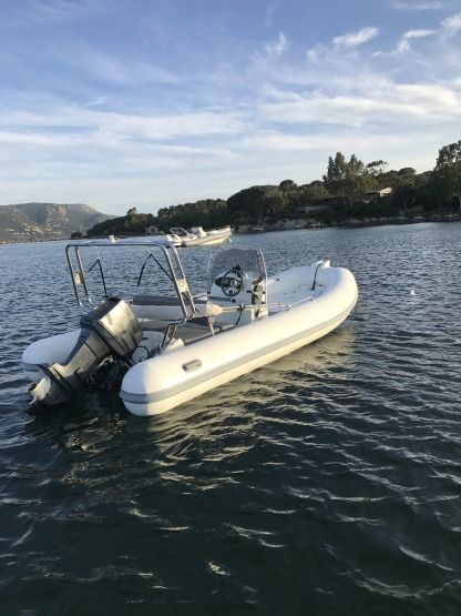 Location Semi-rigide Zodiac Medline 2 C Porto-Vecchio