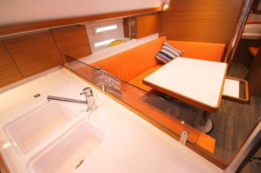 Charter Sailboat Elan 444 Impression Split
