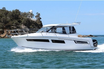 Hire Motorboat JEANNEAU MERRY FISHER 855 Capbreton