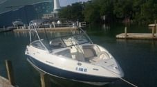 Rental motorboat in Miami Beach