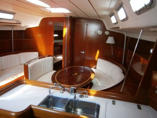 Sailboat BENETEAU First 47.7 peer-to-peer