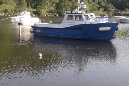 Rental Motorboat new heaven sea warrior Hennebont