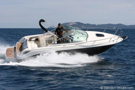 Barca a motore SEA RAY 235 tra privati
