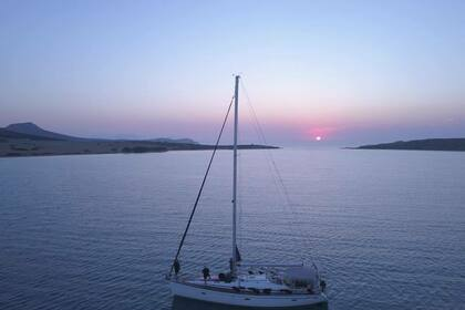 Hire Sailboat BAVARIA 46 CRUISER Heraklion
