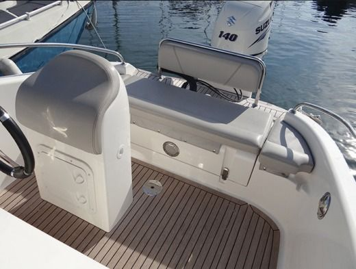 Motorboot Clear ARIES OPEN zwischen Privatpersonen