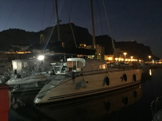 Lagoon 410 in Palermo for hire