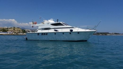 Motorboat AZIMUT 38 Fly for hire