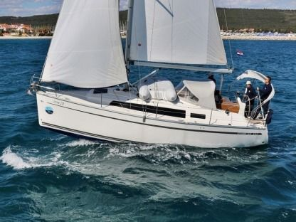 Rental Sailboat Bavaria 33 C Sukošan