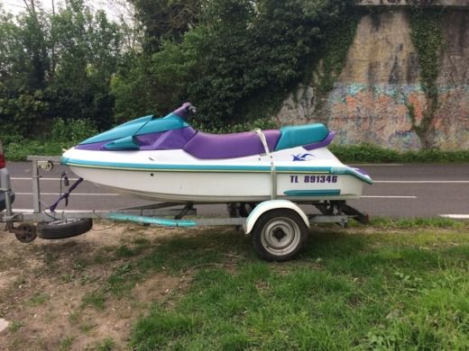 Jet ski Yamaha Wave Venture for hire