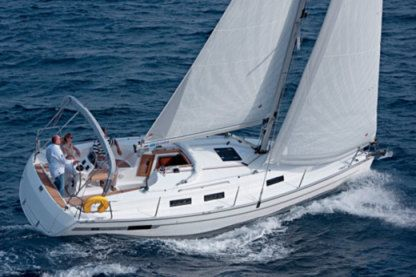 Rental Sailboat Bavaria 32 Lagos