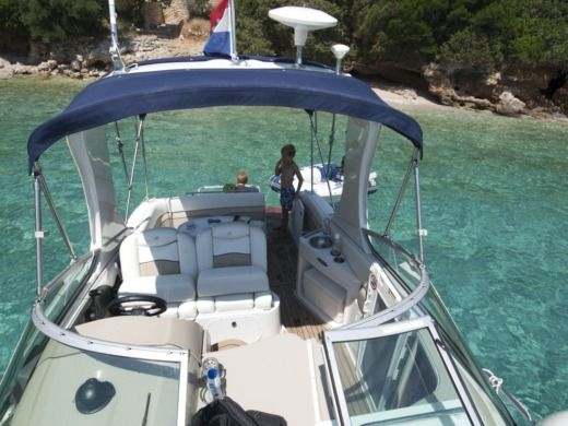 Charter motorboat in Split peer-to-peer