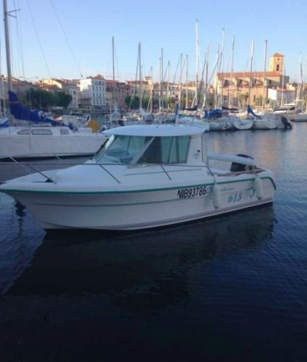 Rental motorboat in La Ciotat