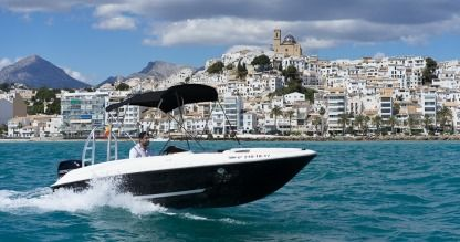 Charter Motorboat Bayliner Element E5 Altea