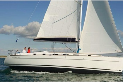 Rental Sailboat BENETEAU CYCLADES 43.4 Santa Teresa Gallura