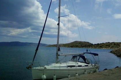 Rental Sailboat BAVARIA 31 CRUISER Athens