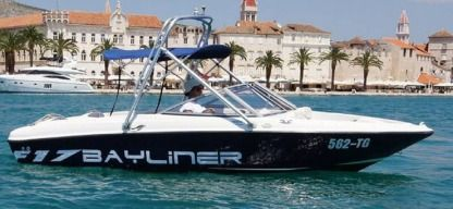 Charter Motorboat Bayliner 175 Flight Sukošan