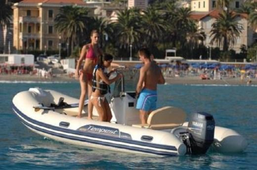 Capelli Tempest 470 + Honda in Zadar for rental