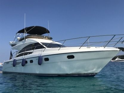 Charter Motorboat Princess 42 Fly Cannes Cannes