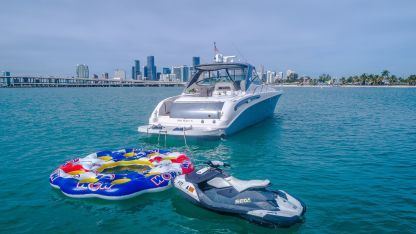 Rental Motorboat Sea Ray 54 Miami Beach