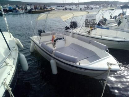 Charter Motorboat Marion Nacho 430 Fornells