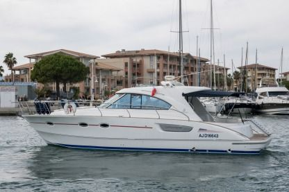 Rental Motorboat Beneteau Flyer 12 Fréjus