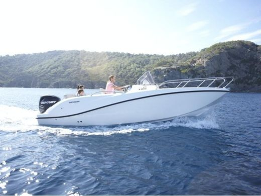 Motorboat Quicksilver 675 Open ACTIV peer-to-peer