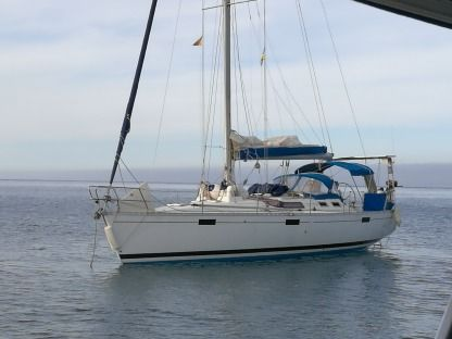 Rental Sailboat Beneteau Oceanis 390 France