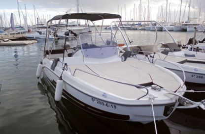 Rental Motorboat Beneteau Flyer 6.6 Sundeck Cambrils