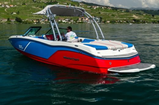 Motorboat Mastercraft NXT22 for hire