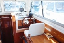 Motorboat Damor 900 for hire