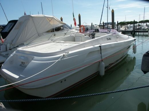 Rental motorboat in Jesolo