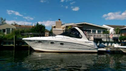 Charter Motorboat Four Winns Vista 298 Miami Beach