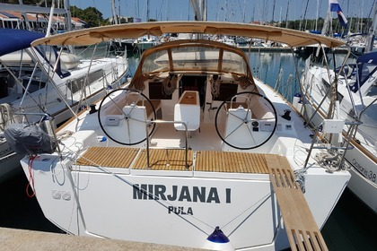 Hire Sailboat DUFOUR 460 Grand Large Medulin