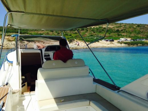 Capelli Tempest 1000 Wa in Cassis for hire