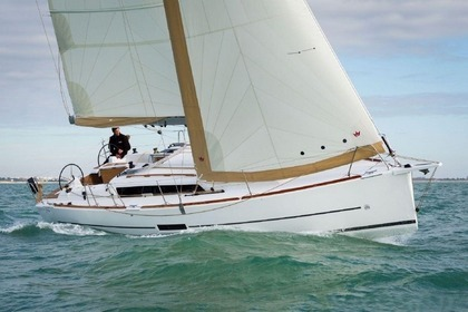 Hire Sailboat DUFOUR 360 Antibes